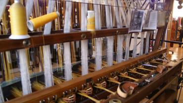 シルクを織る機械